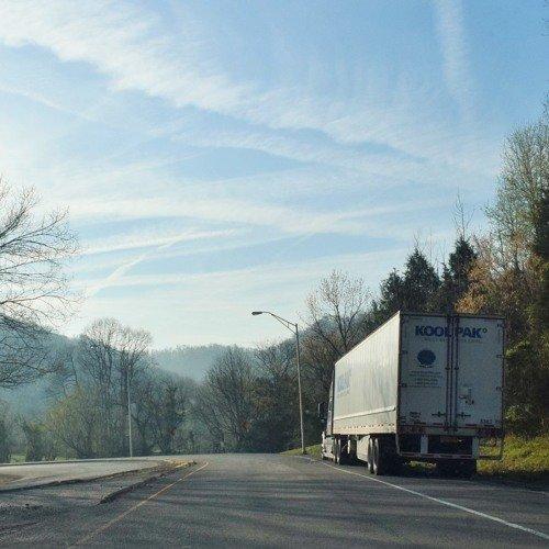 مشکل کمبود کامیون در مراکز توزیع کالا